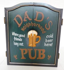 Armoire à fléchette vintage pub